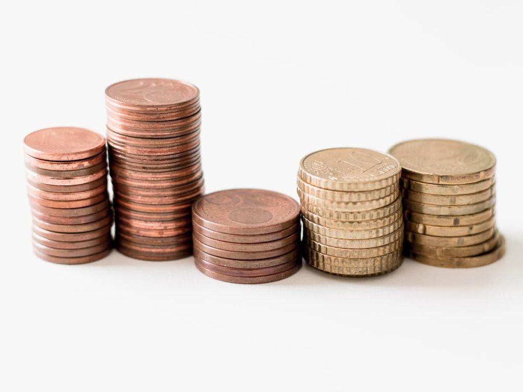 コイン硬貨と世界情勢